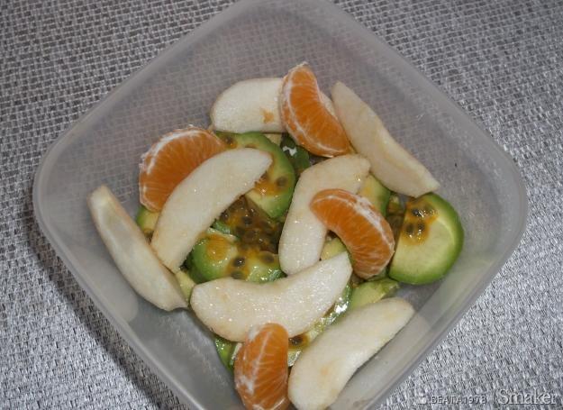 Sałatka owocowa z awokado