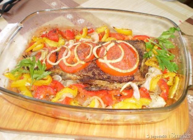 Pieczony lin z warzywami
