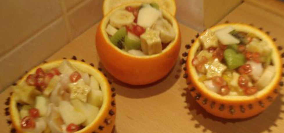 Sałatka owocowa w pomarańczach (autor: magula ...
