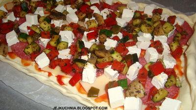 Pizza po grecku na cieście francuskim