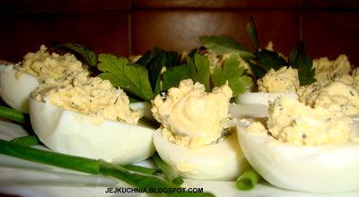 Jajka faszerowane pastą serowo
