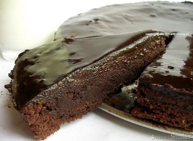 Ciasto strasznie czekoladowe…..
