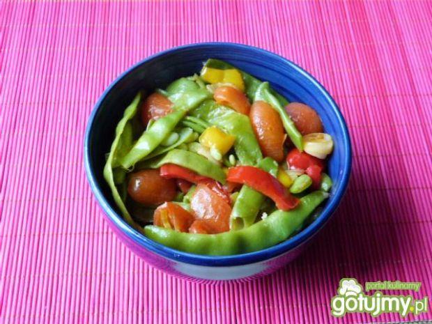Smaczny przepis na: fasolka szparagowa z pomidorami i cebulą ...