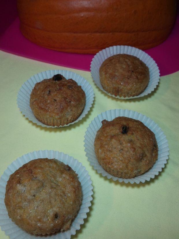 Przepis  muffiny z dynią, rodzynkami i orzechami przepis