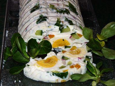 Serowa terrina wiosenna z jajkiem