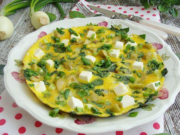 Przepis  wiosenny omlet z fetą i szpinakiem przepis