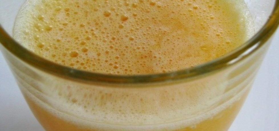 Air jeruk – tradycyjny indonezyjski napój pomarańczowy (autor ...