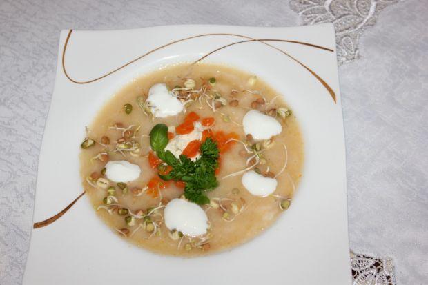 Przepis  zupa chrzanowa z kiełkami przepis