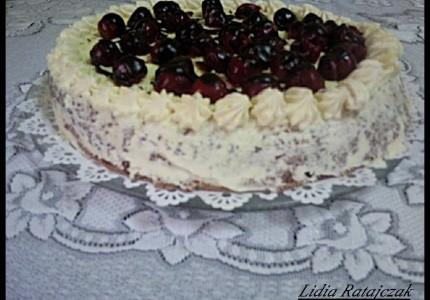 Ciasto z wisienką