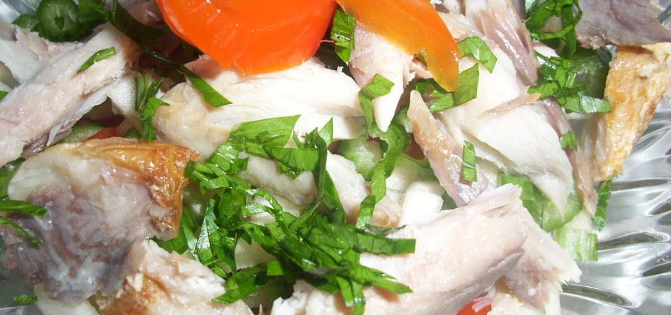 Sałatka z wędzonej ryby (autor: misia53)