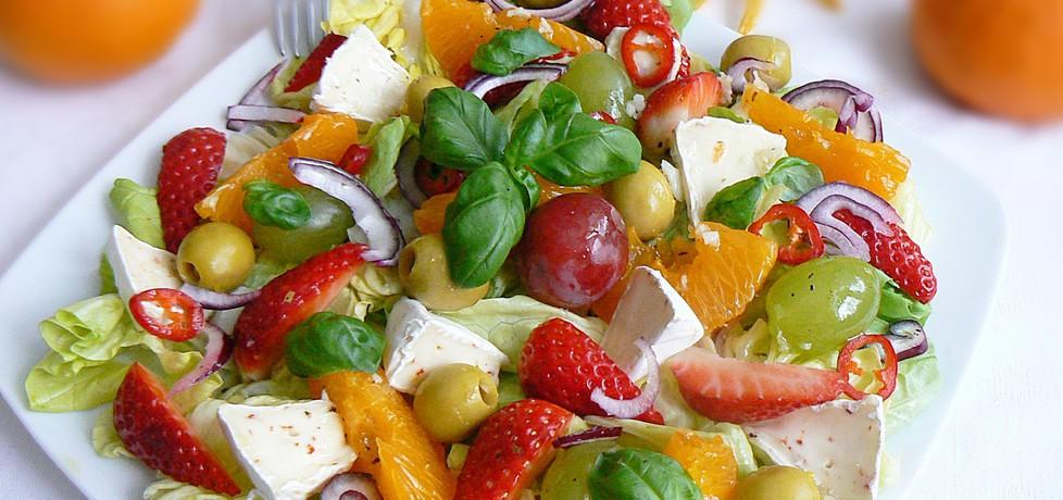 Sałatka z owocami i camembertem (autor: mysza75 ...