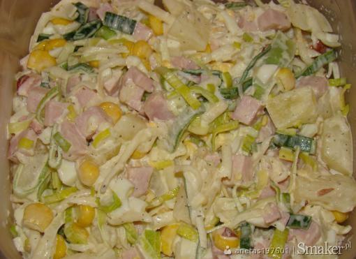Salatka Z Ananasem Porem I Selerem Przepis Ze Smaker Pl