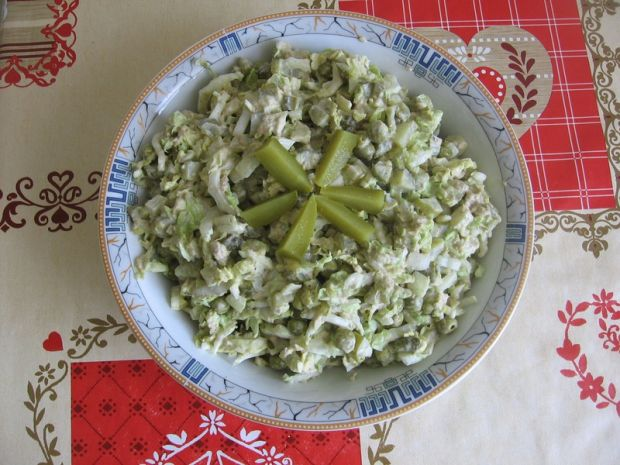 Przepis  sałatka z tuńczykiem i kapustą pekińską przepis