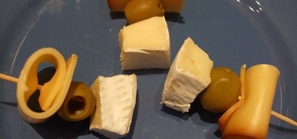 Koreczki serowe z oliwkami (autor: olkaaa)
