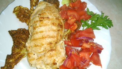 Filet z kurczaka z serem i czerwoną cebulą