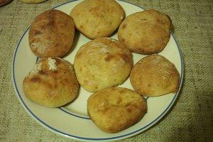 Przepyszne bułeczki serowe  prosty przepis i składniki