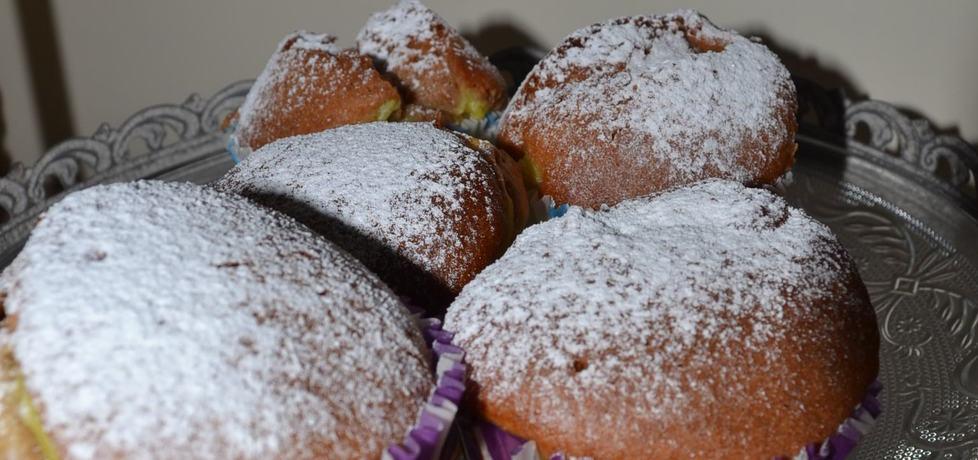 Muffinki z budyniem (autor: wyattearp)