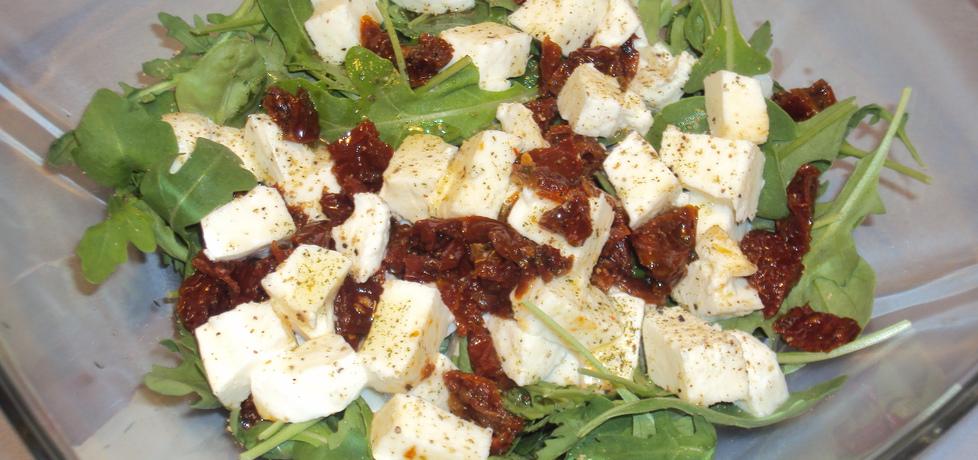 Sałatka z mozzarellą, rukolą i suszonymi pomidorami (autor: mama ...