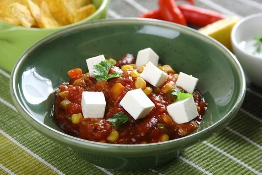 Warzywne chilli z fetą
