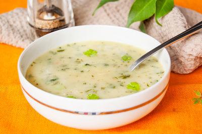 Zupa ziemniaczana ze szpinakiem