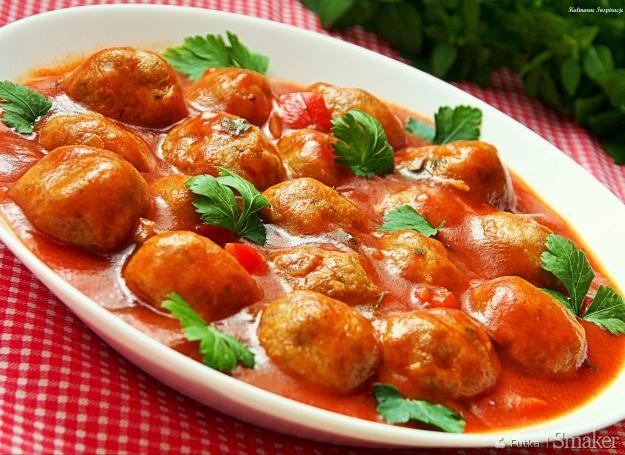 Pulpeciki drobiowe w sosie pomidorowo