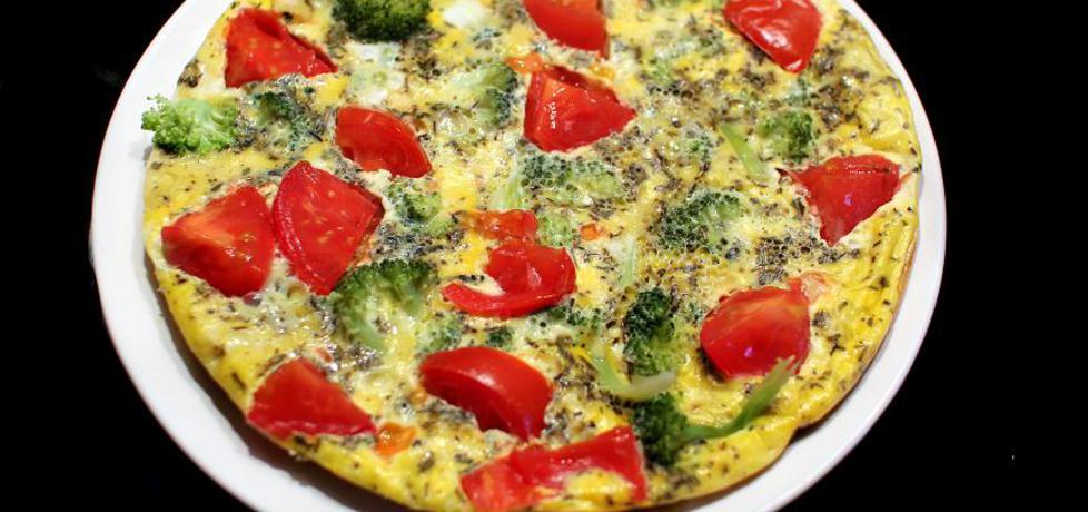 Omlet z brokułami i pomidorem oraz czosnkiem (autor: dorota20w ...