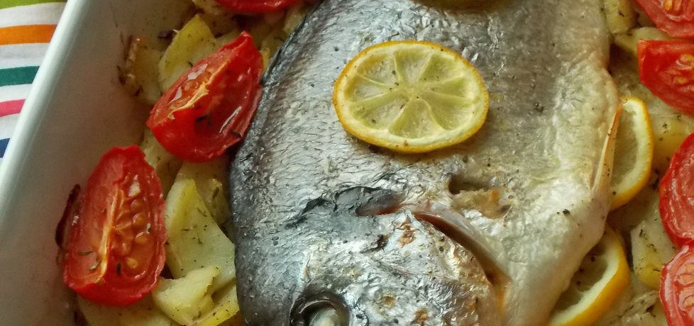 Dorada pieczona z warzywami (autor: mniam)