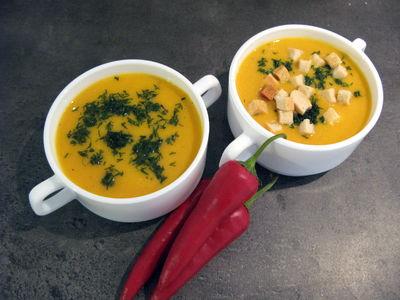 Zupa krem z dyni na mleku kokosowym z chili