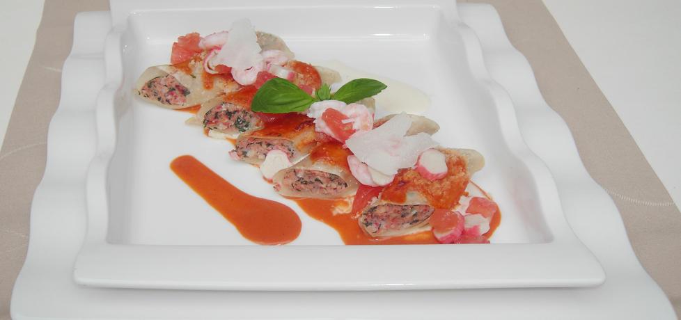 Cannelloni z farszem krabowym podane z sosem homarowym ...