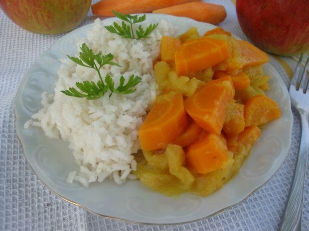 Przepis  ryż z sosem marchwiowo-jabłkowym przepis