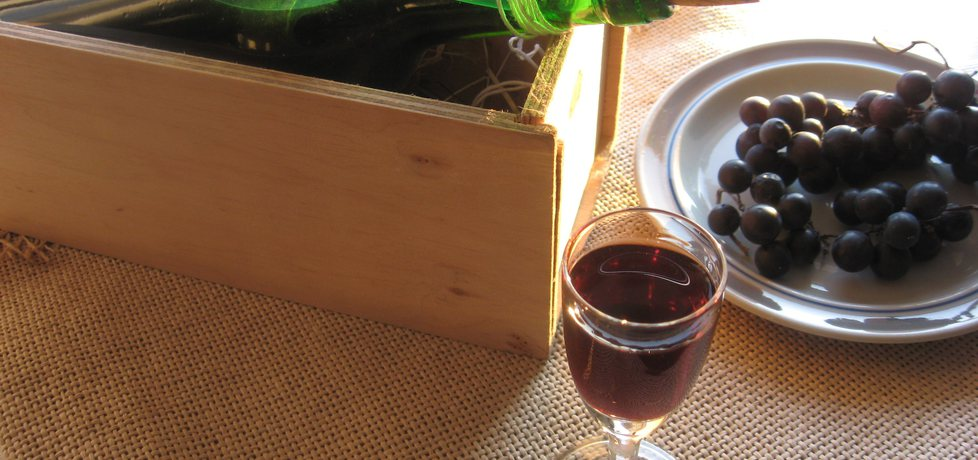Nalewka z ciemnych winogron (autor: anemon)
