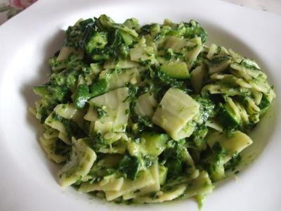 Zielone łazanki z gorgonzolą.