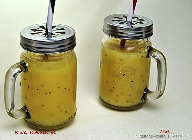 Orzeźwiający napój z kiwi i brzozy