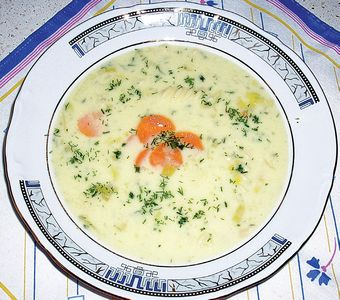 Zupa serowa z makaronem