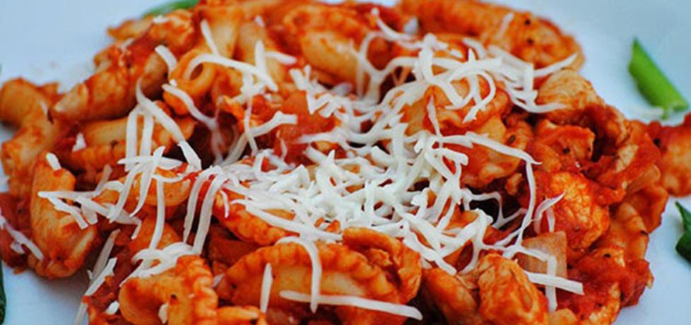 Makaron w sosie pomidorowym z kurczakiem (autor: smerfetka79 ...