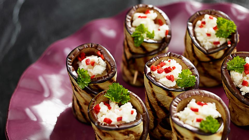 Przepis na roladki z bakłażana z serem feta