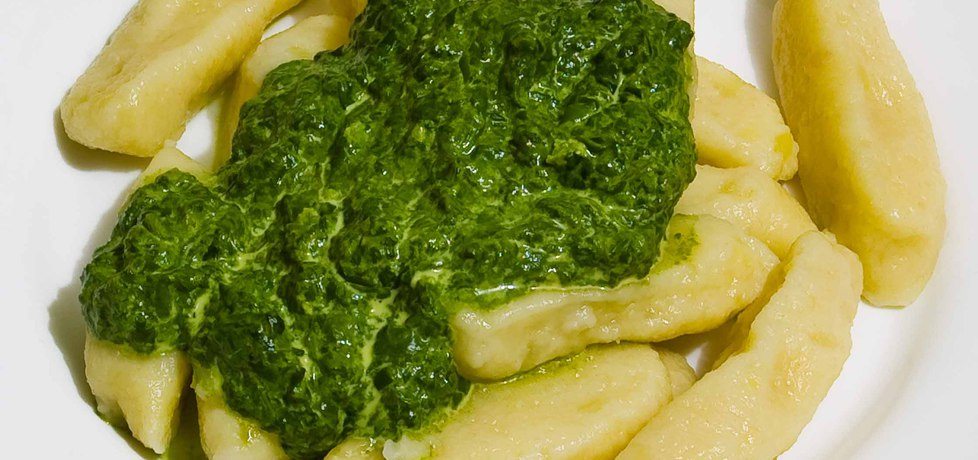 Kopytka z sosem szpinakowym (autor: jozefinach)