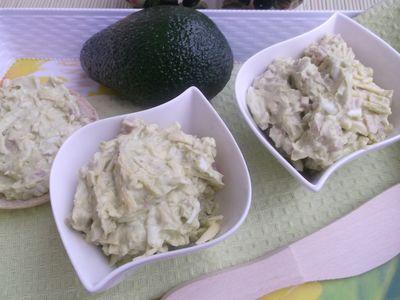 Pasta z awokado, szynki, sera zółtego i jajek