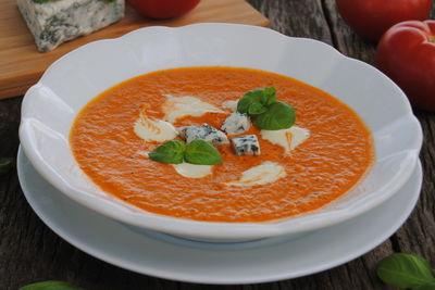 Pomidorowa z pieczonych pomidorów z serem pleśniowym ...