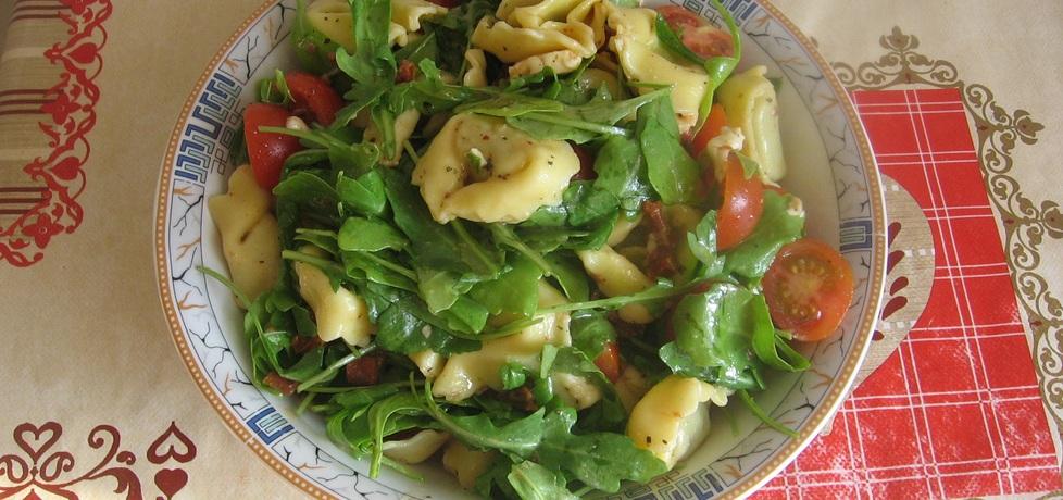 Sałatka z tortellini, suszonymi pomidorami i rukolą (autor: ania321 ...