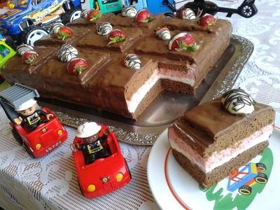 Tort na dzień dziecka