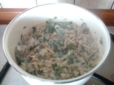 Risotto z brązowego ryżu ze szpinakiem