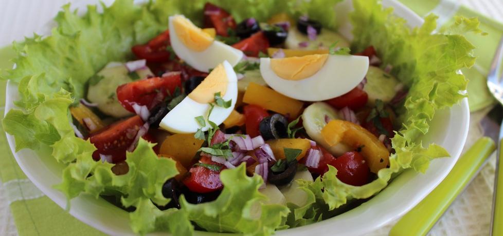 Sałatka ze świeżych warzyw z jajkiem (autor: anemon ...