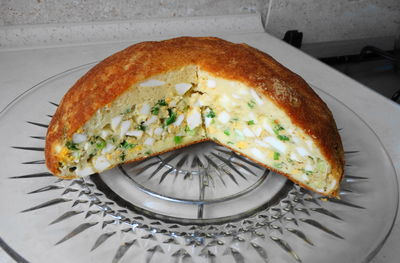 Placek z jajkami i szczypiorkiem