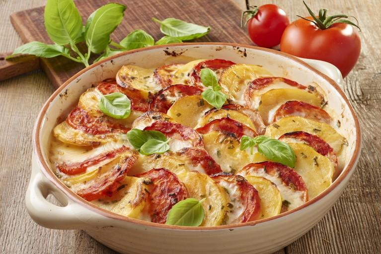 Ziemniaczane casserole z pomidorami