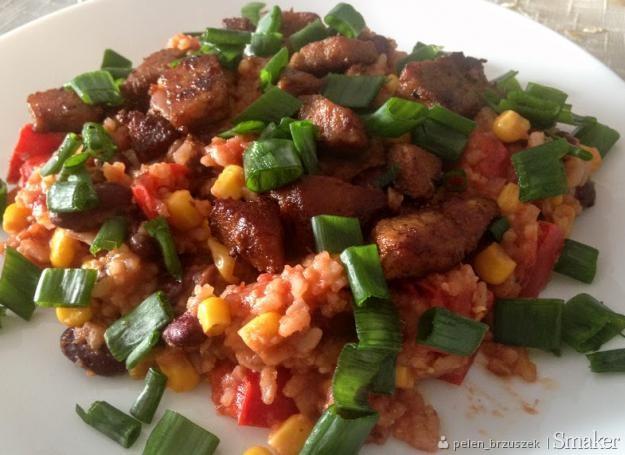 Ryż po meksykańsku z pikantną wieprzowiną
