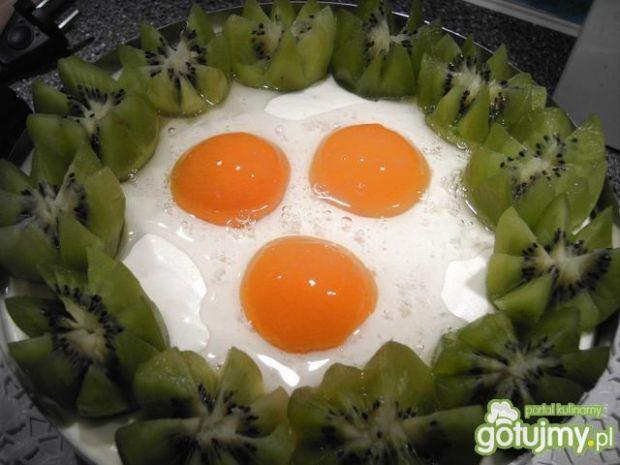 Przepis  wielkanocy tort z jajkami ;) przepis