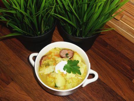 Przepis  gęsta zupa z kapusty włoskiej z kiełbasą przepis