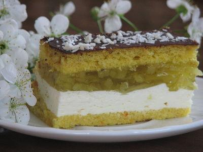 Ciasto gruszkowe z bitą śmietaną