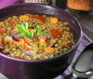 Zupa z brązowej soczewicy  prosty przepis i składniki